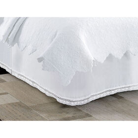 Picture of White Lace Bed Skirt - King